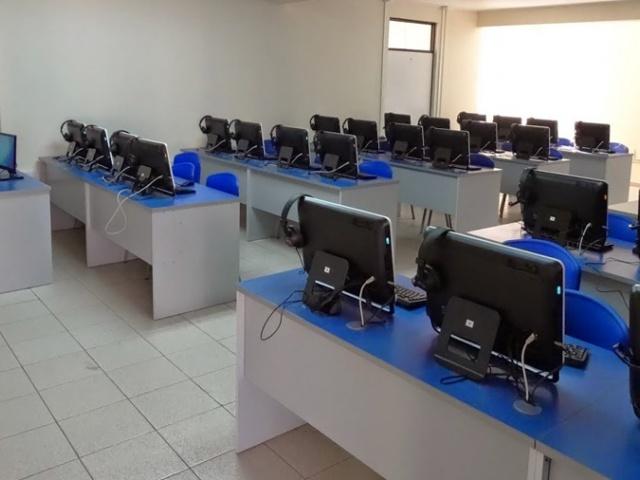 Laboratorios de idiomas Colegio Sagrados Corazones de La Serena