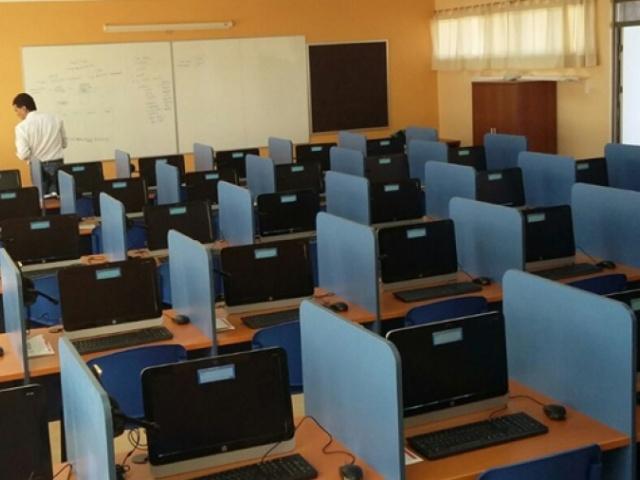 Laboratorio en Liceo Likan Antai - San Pedro de Atacama